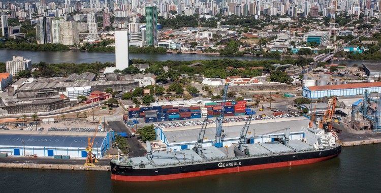 Porto do Recife registra aumento no faturamento